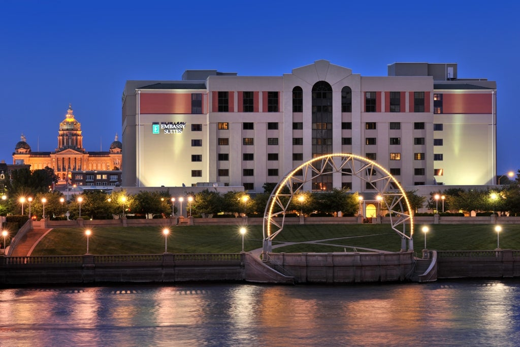 Area Hotels | Iowa Events Center on map of california coast lompoc, map of glendale cemetery des moines ia, map of des moines county iowa, des moines skywalk hotels,